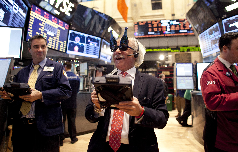 Operadores da bolsa de Nova Iorque em ritmo de réveillon