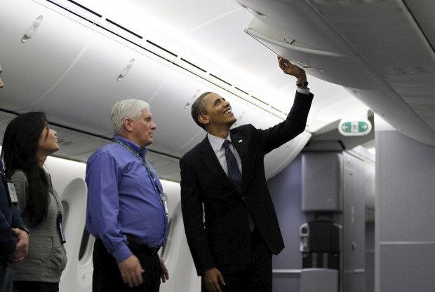 Visita do presidente norte-americano Barack Obama a um 787 em Everett, Washington