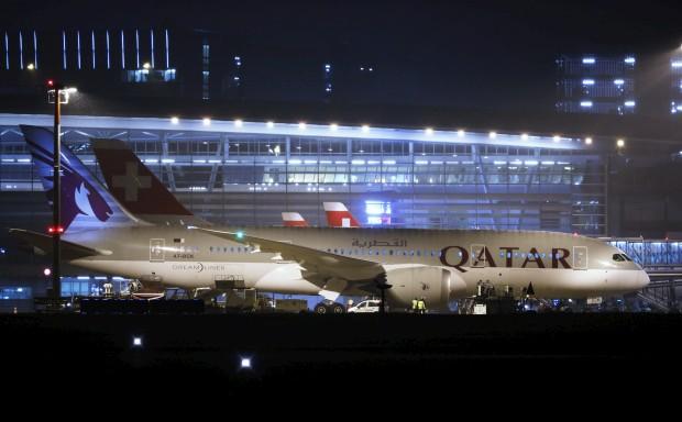 O primeiro 787 da Qatar Aiways a aterrar em Zurique