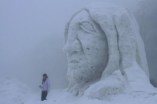 Reino de Neve 2013, 15.º simpósio internacional de esculturas, em Pustevny, República Checa