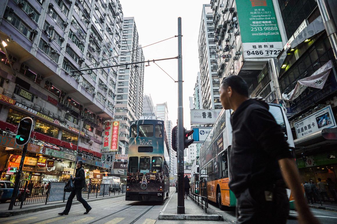 À boleia dos eléctricos de Hong Kong