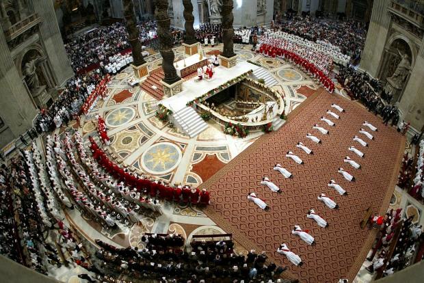 Durante uma cerimónia de ordenação de novos padres
