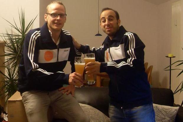 Thomas e Pedro, a celebrarem o início da odisseia, em Setembro em Berlim