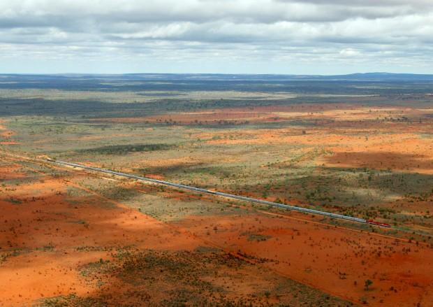 O comboio que cruza a Austrália profunda, o Ghan. Aqui perto de Alice Springs