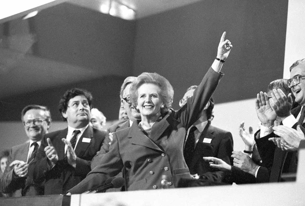 Foi eleita três vezes - 1979, 193 e 1987 - para primeira-ministra