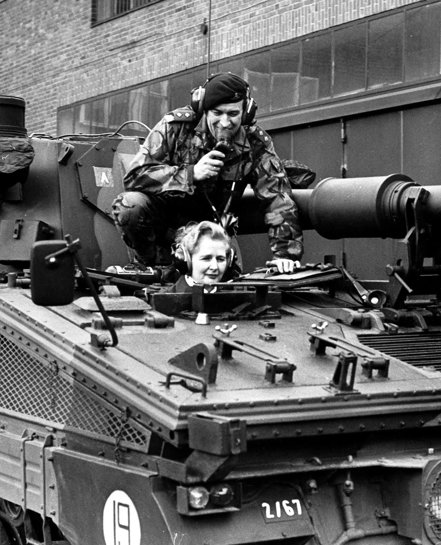 Dentro de um tanque inglês em Herford, ex-República Federal Alemã, em 23 de Janeiro de 1976