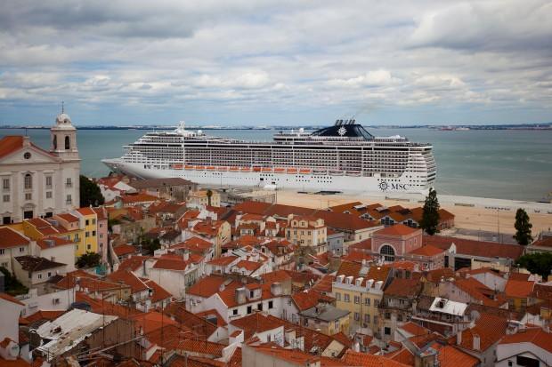MSC Divina em Lisboa em Maio de 2012