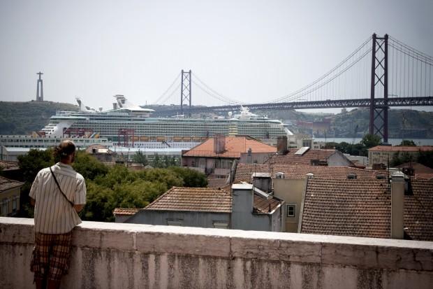Independence of the Seas num dos seus regressos a Lisboa, em 2010