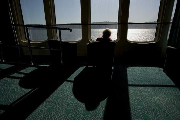 A última viagem do Queen Elizabeth 2, de passagem por Lisboa em 2008