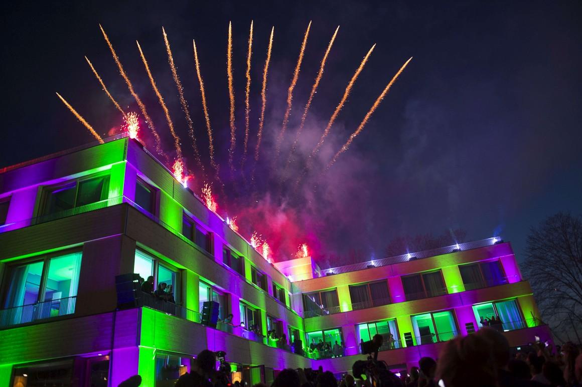 A inauguração do museu foi acompanhada de fogo de artifício.