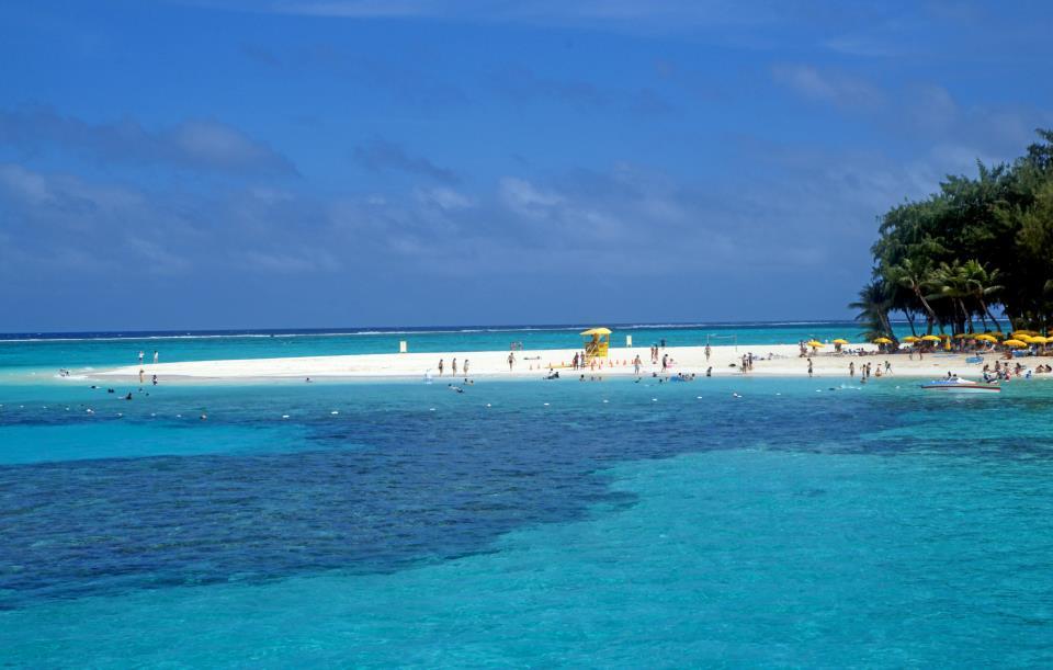 O azul real das Marianas