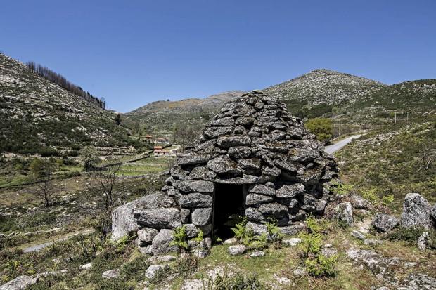 Abrigo de pastor com cobertura em Falsa Cúpula (