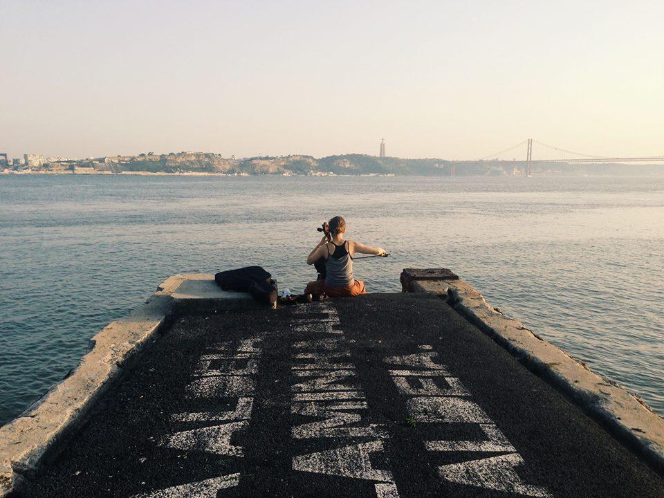 A música de Lisboa: imagem captada junto ao Cais do Sodré num (muito) quente 8 de Julho. Foto de Dinis Correia