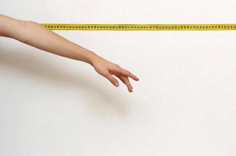 Estudo conclui que existem traços ligeiros de autismo em raparigas com anorexia