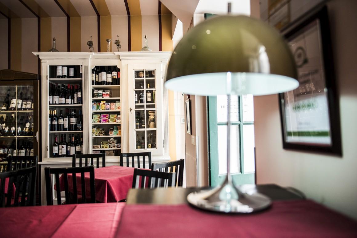 13h, visita e almoço na mercearia-bar Fangas