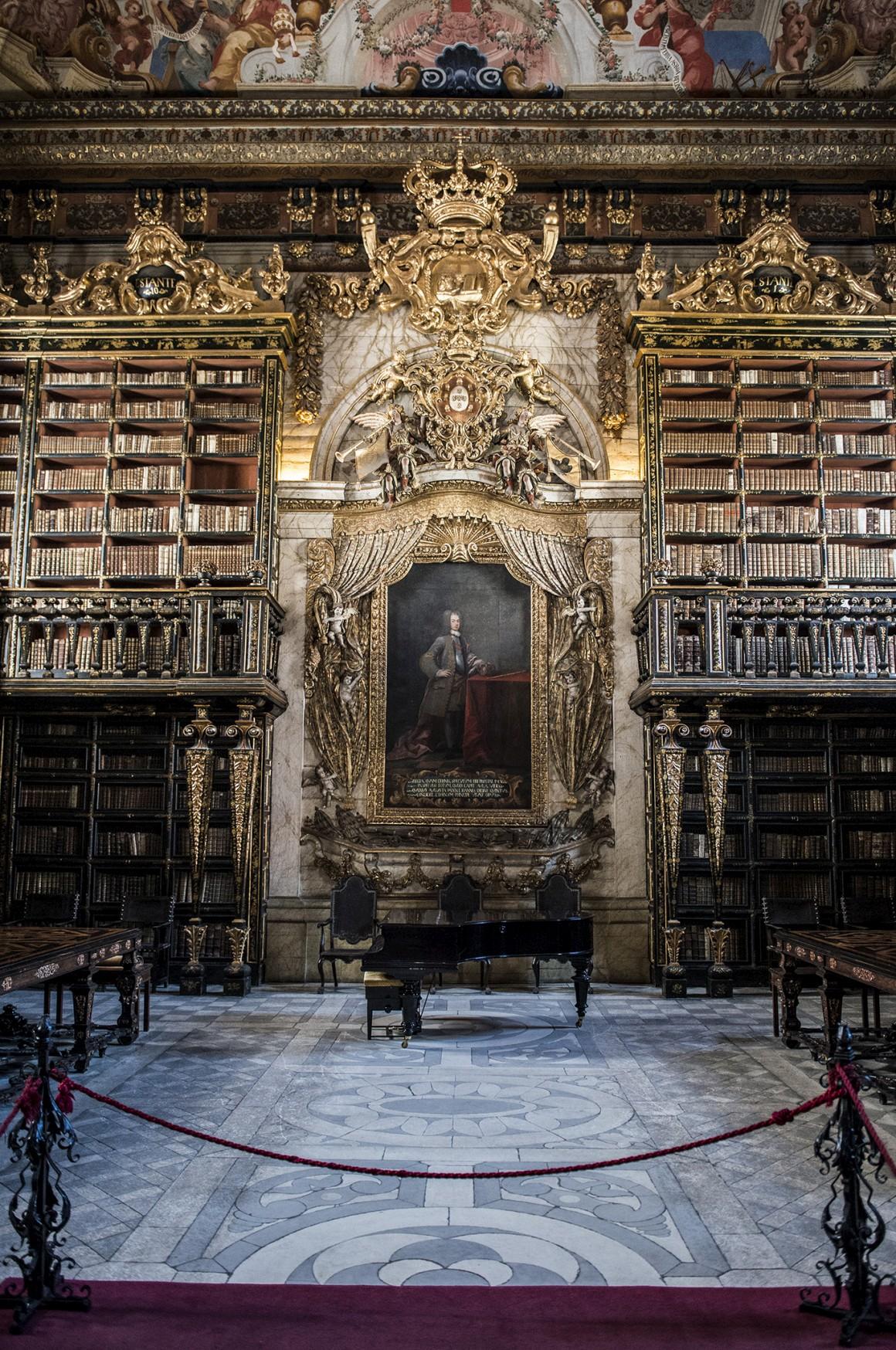 11h, visita à Universidade de Coimbra