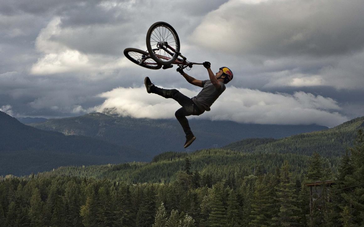 CANADÁ, 17.08.2013. Yannick Granieri, da França, compete na Crankworx Red Bull Joyride, em Whistler, Colombia Britânica. Um festival de acrobacias de todo o género em bicicleta