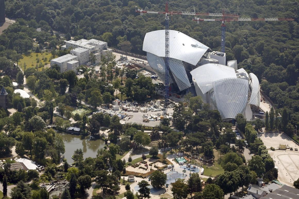 Construção da Fundação Louis Vuitton para a Criação, edifício projectado por Frank Gehry (Bois de Boulogne)