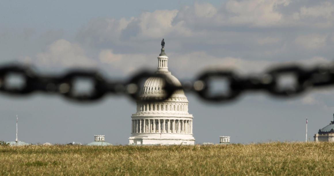 No Capitólio, onde reúne o Congresso, democratas e republicanos não chegam a acordo