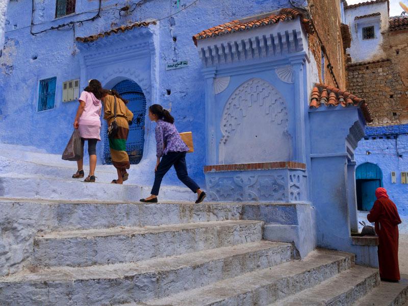 Na zona histórica de Chefchaouen, o azul marca a paisagem
