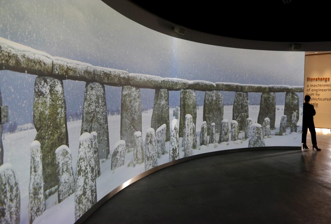 Inclui uma experiência virtual em vídeo a 360º