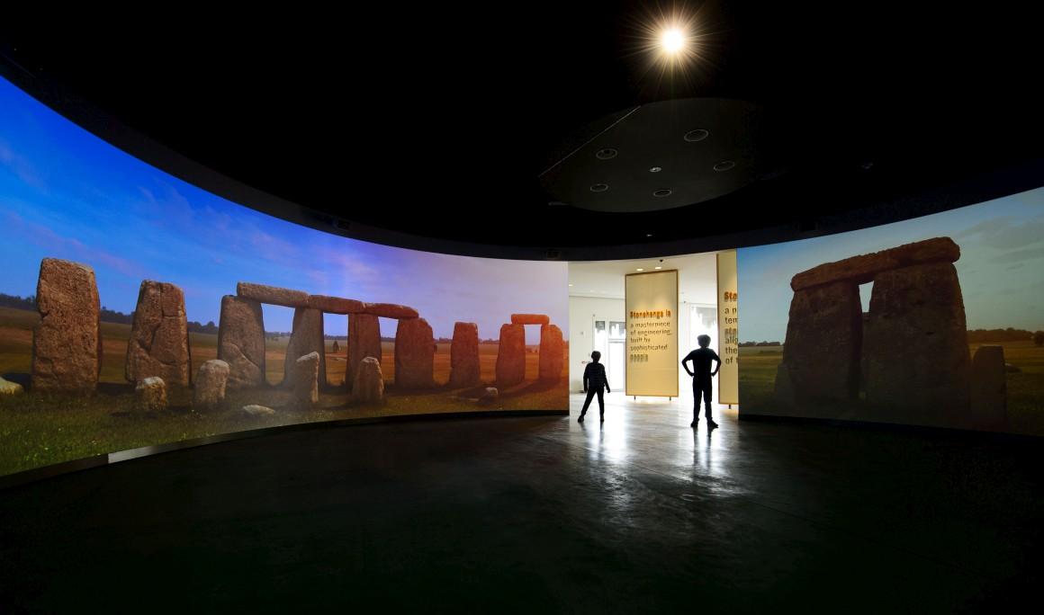 Uma animação computadorizada leva os visitantes numa viagem no tempo