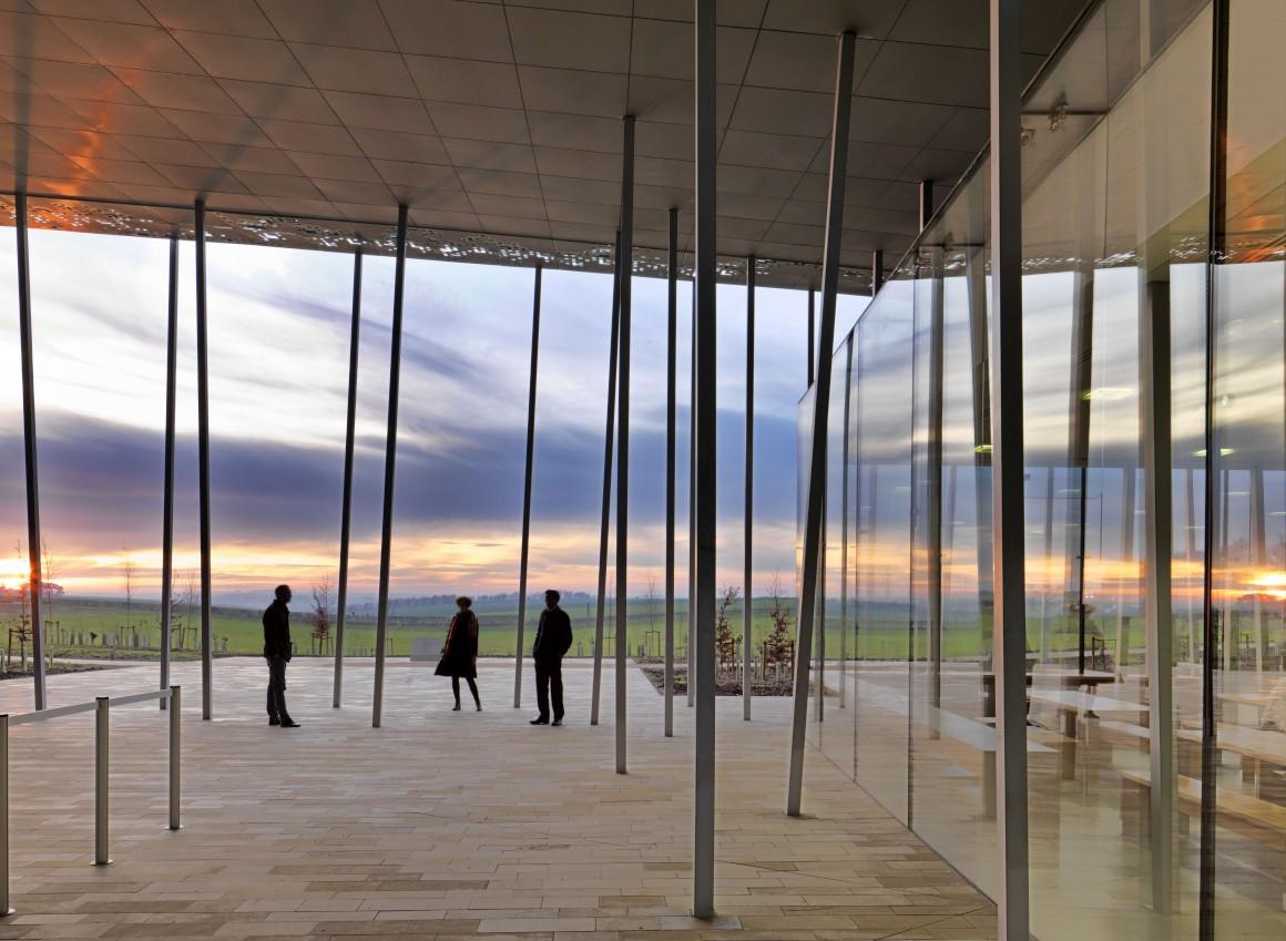 No exterior do novo centro de visitantes