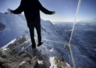 Varanda de vidro sobre os Alpes