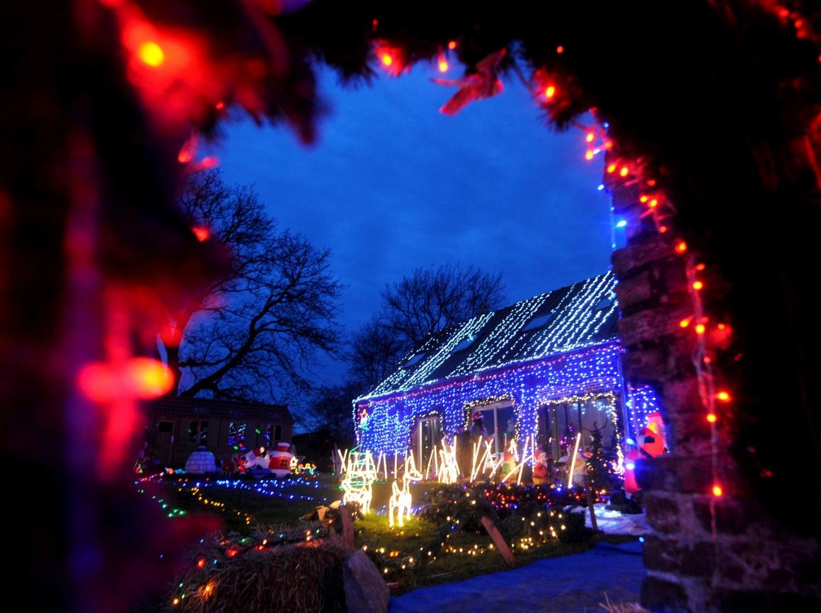 França, Cambrai. A cada Natal, o casal Kazmierski torna a sua casa num festim natalício que já se tornou uma atracção local