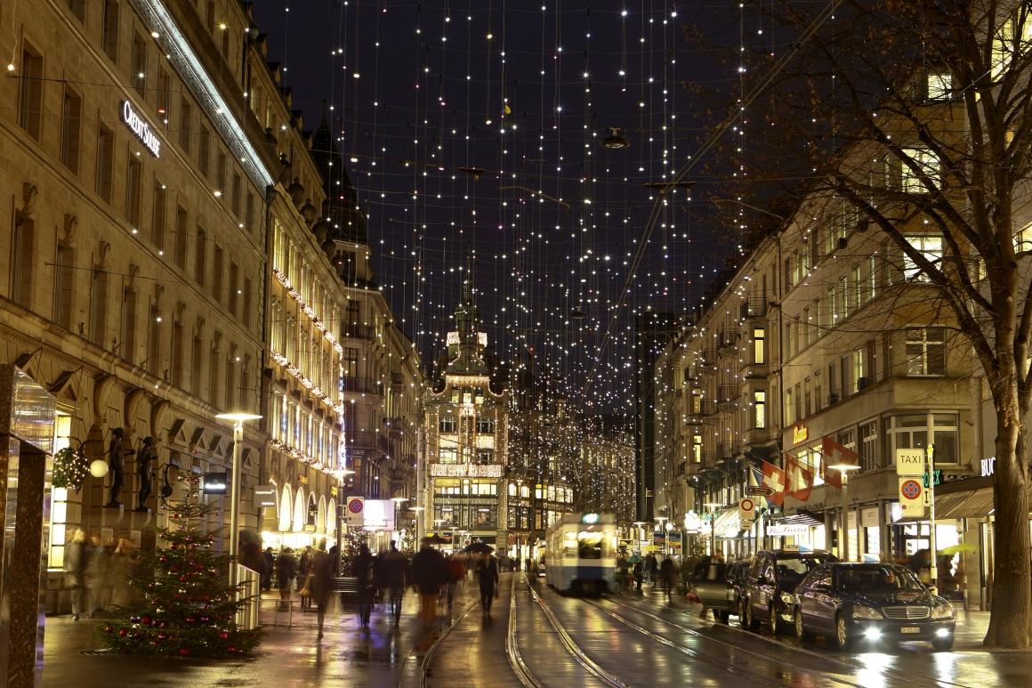 Suíça, decorações de Natal na zona comercial da Bahnhofstrasse