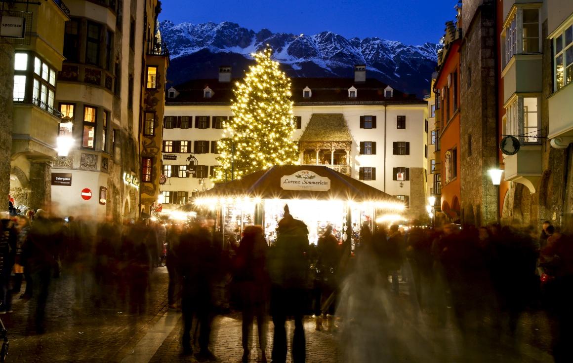 Áustria, no mercado de Natal de Innsbruck
