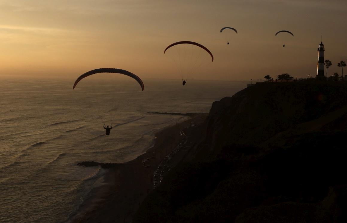 PERU, 20.11.2013. A planar sobre Miraflores, Lima