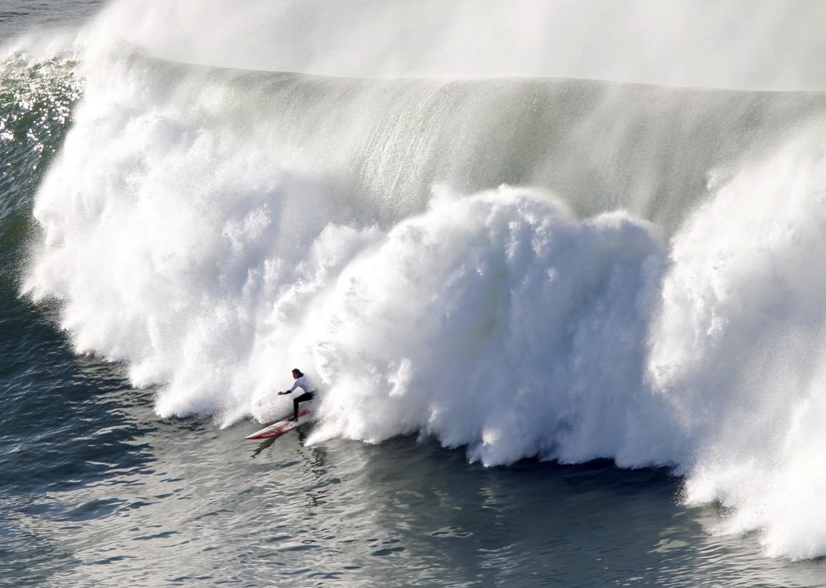 ESPANHA, 22.12.2013. Surfista a