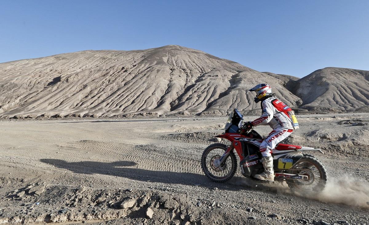 2014-01-14. O português Helder Rodrigues numa Honda entre Calama e Iquique, no Chile