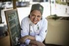 A chef Teresa Corção criou o Instituto Maniva, que se apresenta em feiras biológicas no Rio de Janeiro com a sua banca de tapioca orgânica