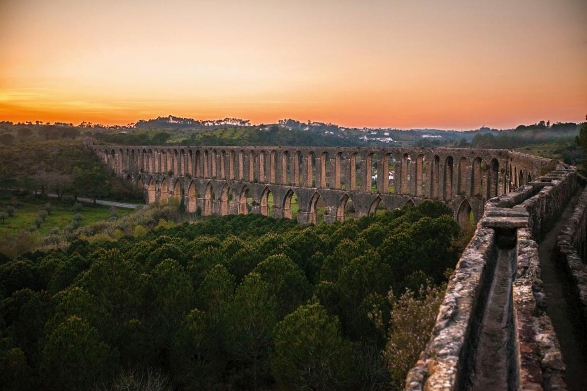 O Aqueduto de Pegões, em Tomar, edificado para abastecer de água o Convento de Cristo