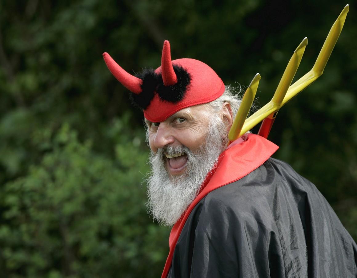 Didi Senft encarna o seu Diablo na perfeição