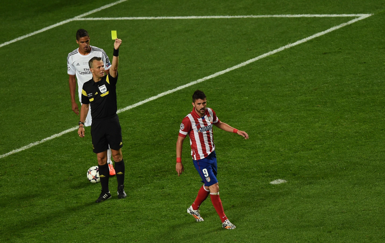 Mais um cartão amarelo, desta vez para David Villa