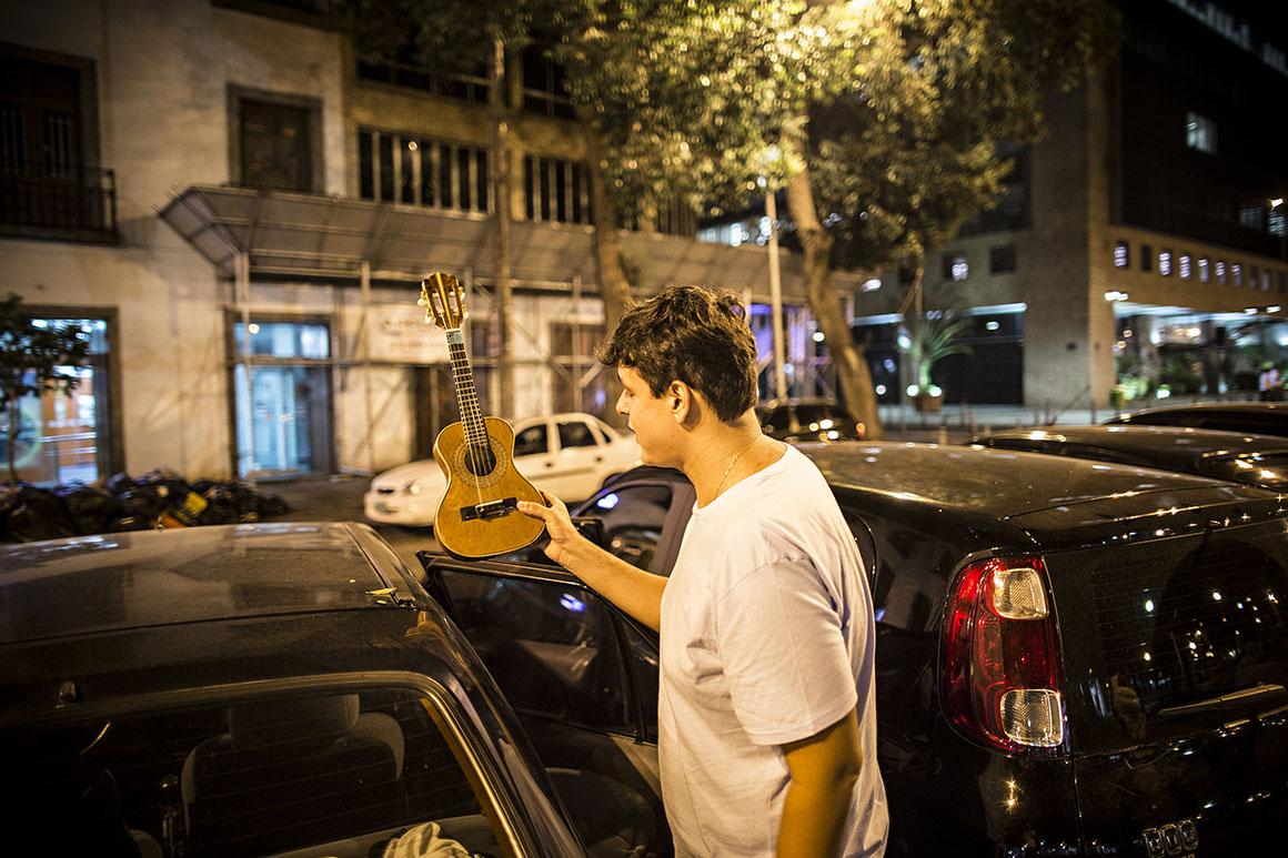 Gabriel da Muda criou uma Roda de Samba que tem um imenso sucesso