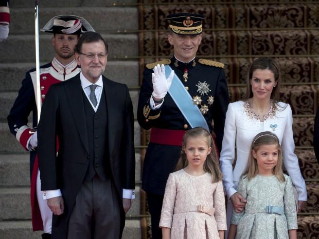 Os reis de Espanha com as filhas e o primeiro-ministro espanhol Mariano Rajoy.