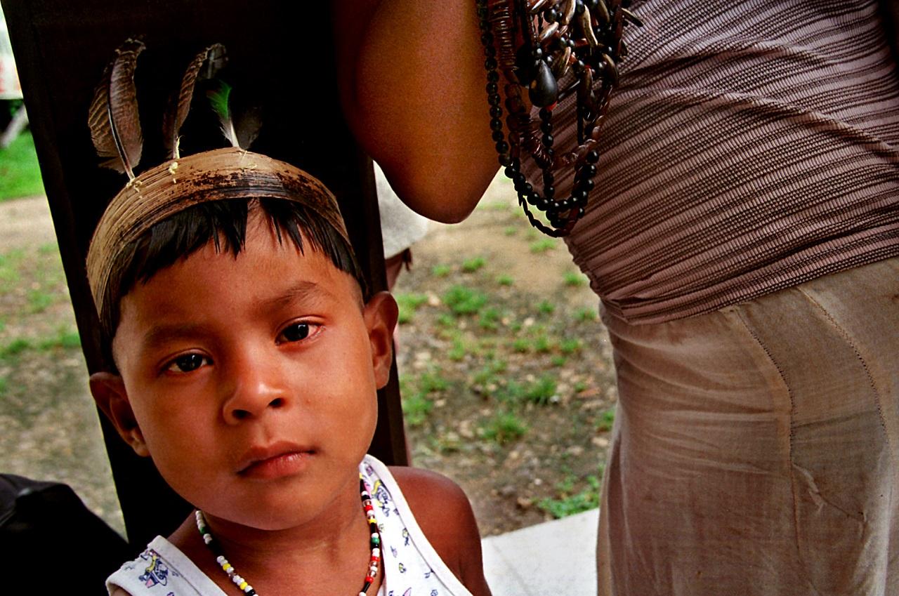 Março de 2000. Índios pataxós no município de Santa Cruz de Cabrália no Nordeste brasileiro.
