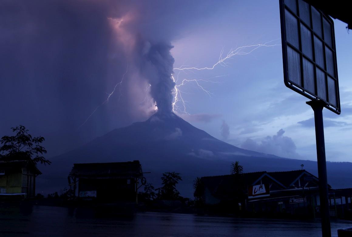Vulcão Mount Merapi, Indonésia