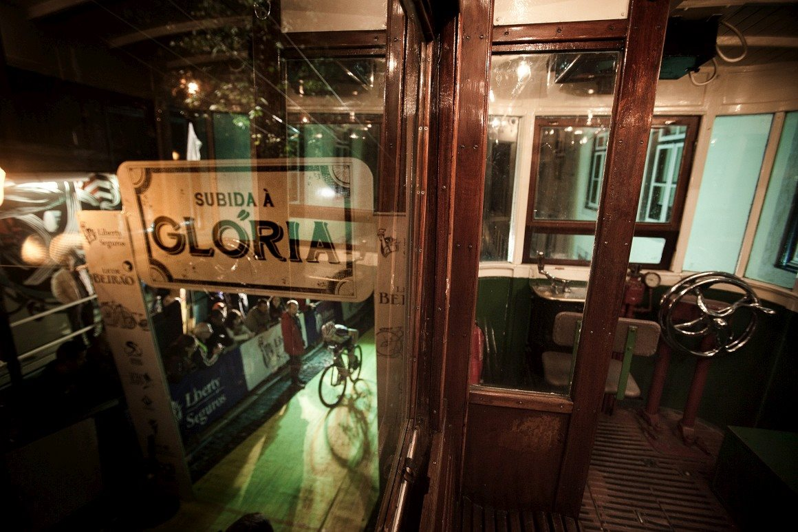 Subida à Glória, uma prova de bicicleta pelos caminhos do ascensor