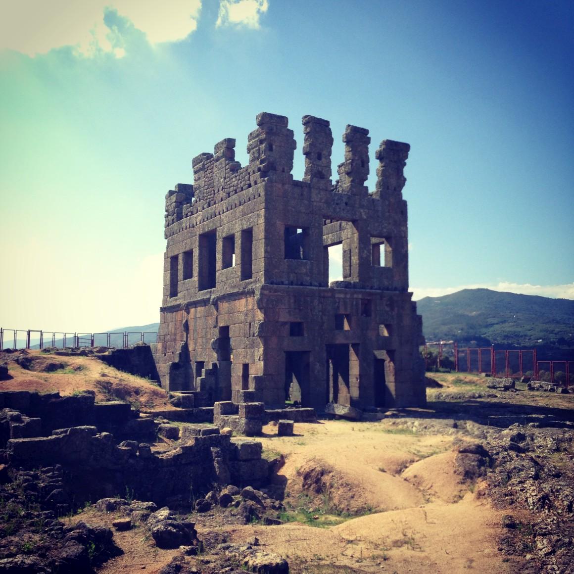Torre de Centum, Cellas em Colmeal da Torre, logo aos pés de Belmonte e na margem do Zêzere