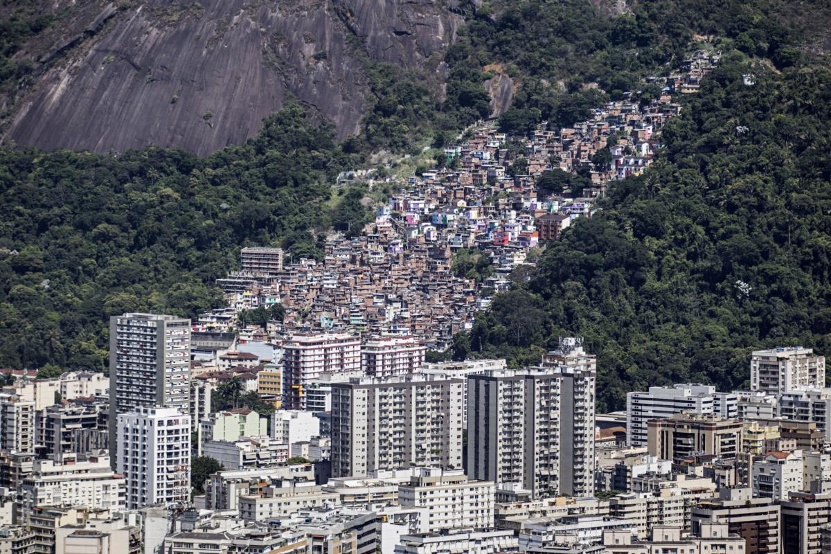 Brasil, Rio de Janeiro - Condomínios, prédios e favela