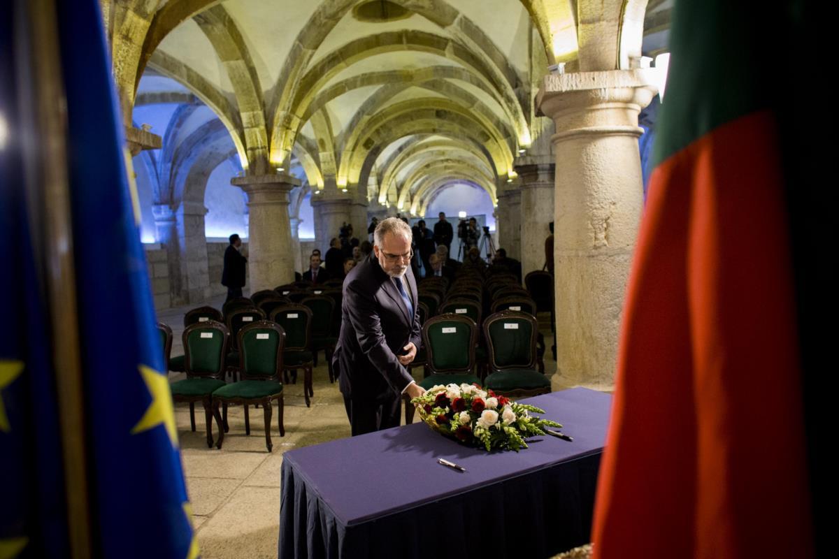 José Maria Costa, presidente da Câmara Municipal de Viana do Castelo, durante a assinatura do contrato de subconcessão dos terrenos e infra-estruturas dos Estaleiros Navais de Viana do Castelo