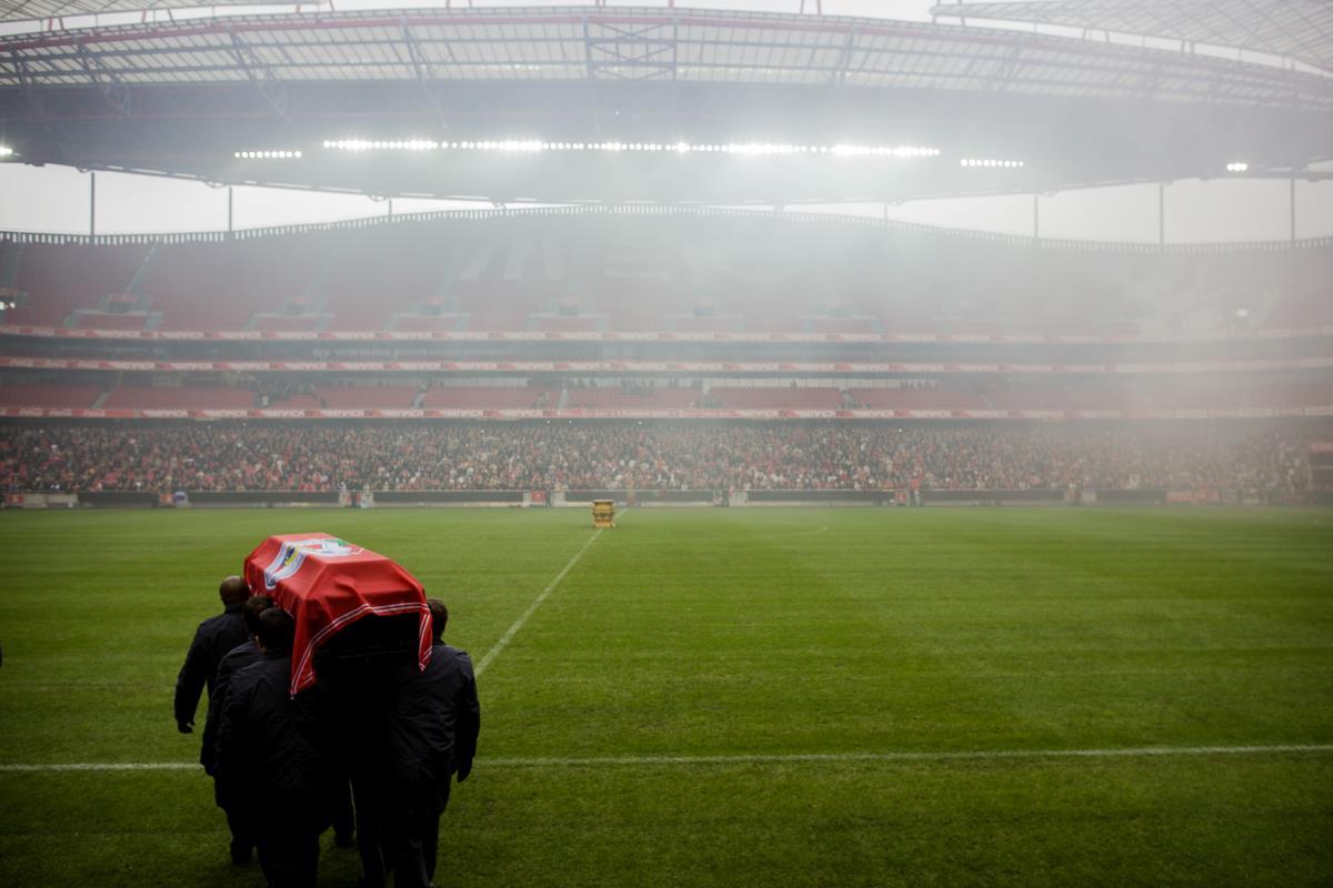 Cerimónias fúnebres de Eusébio - Volta ao Estádio da Luz e partida para a CML