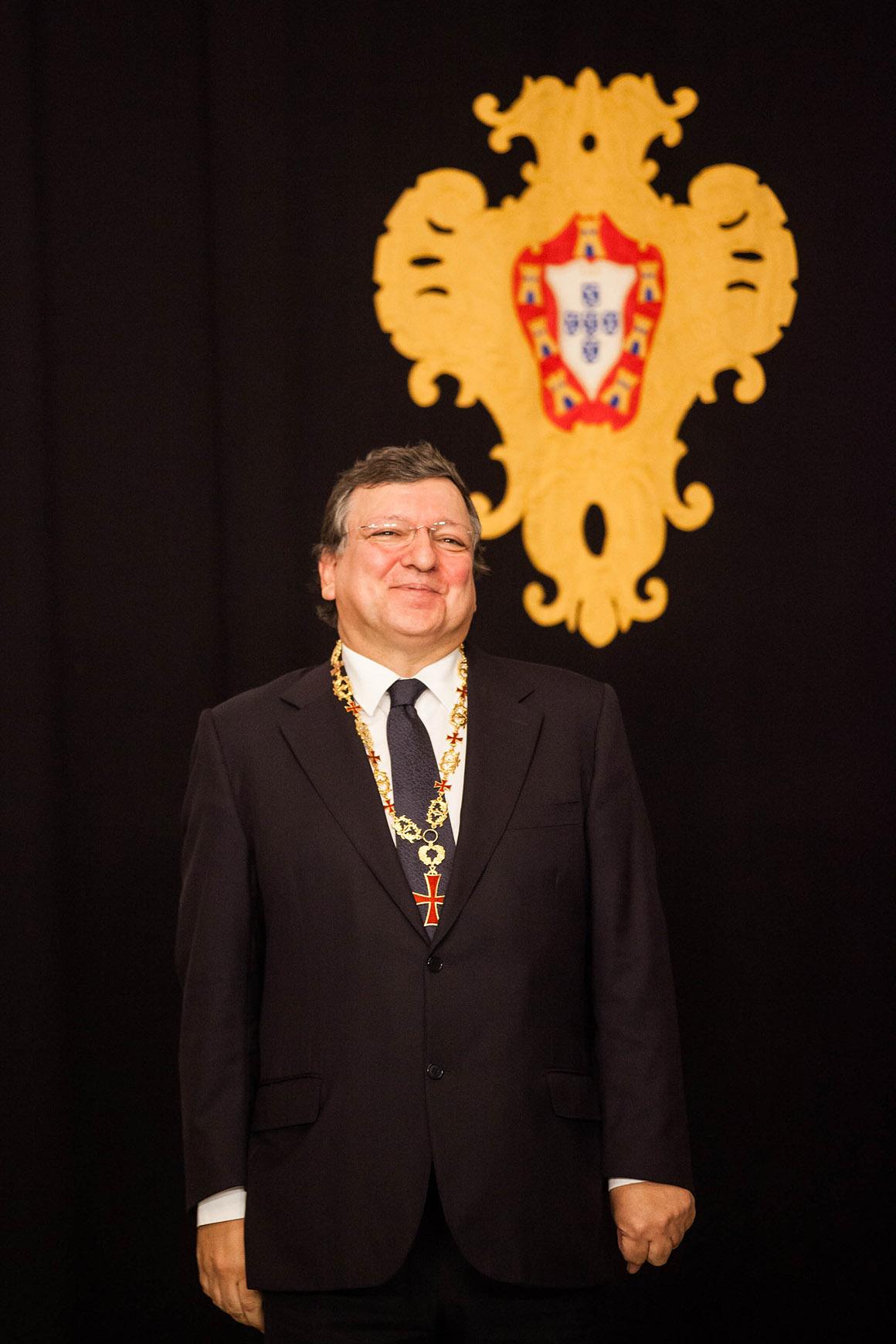 Durão Barroso, condecorado com o Grande-Colar da Ordem do Infante D. Henrique pelos dez anos à frente da Comissão Europeia