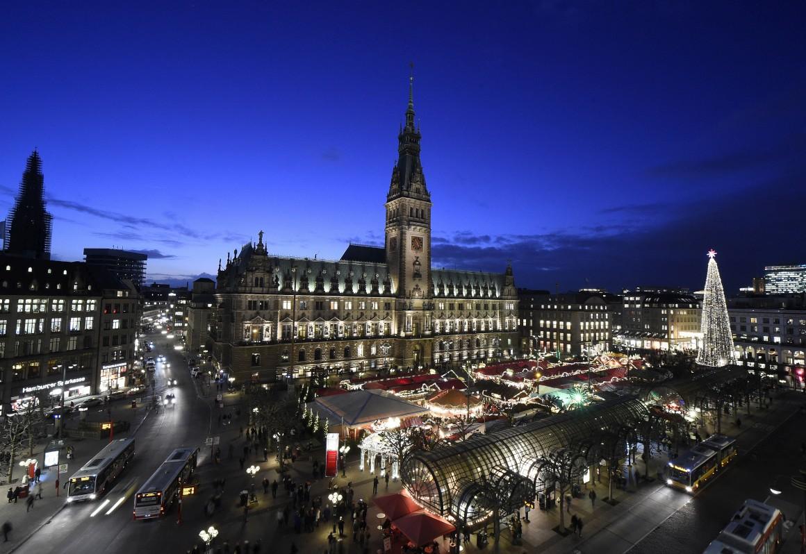 Alemanha, mercado de Natal em Hamburgo