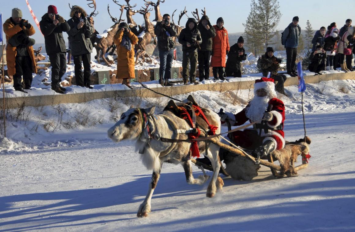 Mongólia, um concurso de trenós com renas em